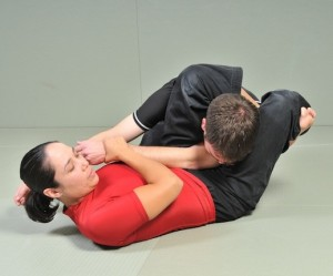 Applying the Triangle in Submission Grappling
