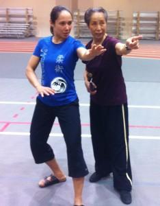 Master Su pointing the way